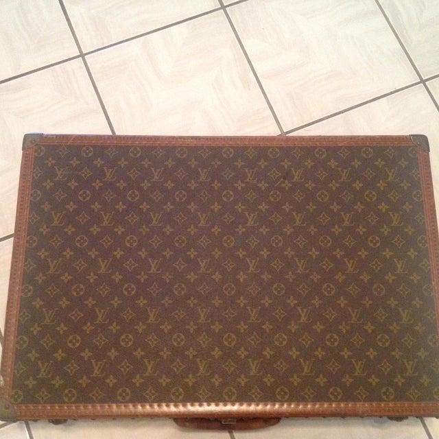 Louis Vuitton Mid-20th Century Louis Vuitton Hard Case Bisten Luggage For Sale - Image 4 of 12