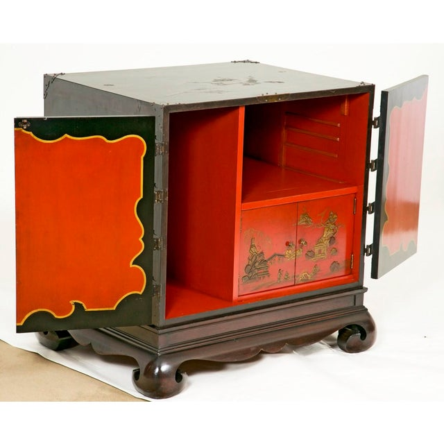 1950s 1950s Vintage Decorated Chinese Cabinet For Sale - Image 5 of 7
