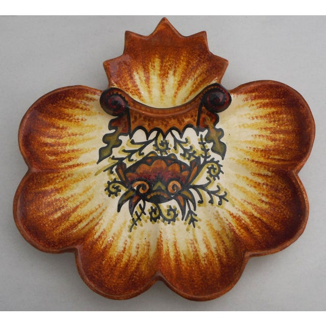 Vintage majolica oyster plate with crab signed Fouillen Quimper, circa 1930.
