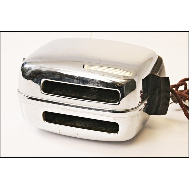 Vintage Chrome Toastmaster Toaster with Bakelite Handles - Image 8 of 10