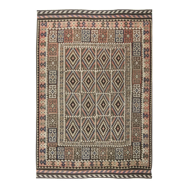 Traditional Hand Woven Rug - 6'7 X 9'4 For Sale