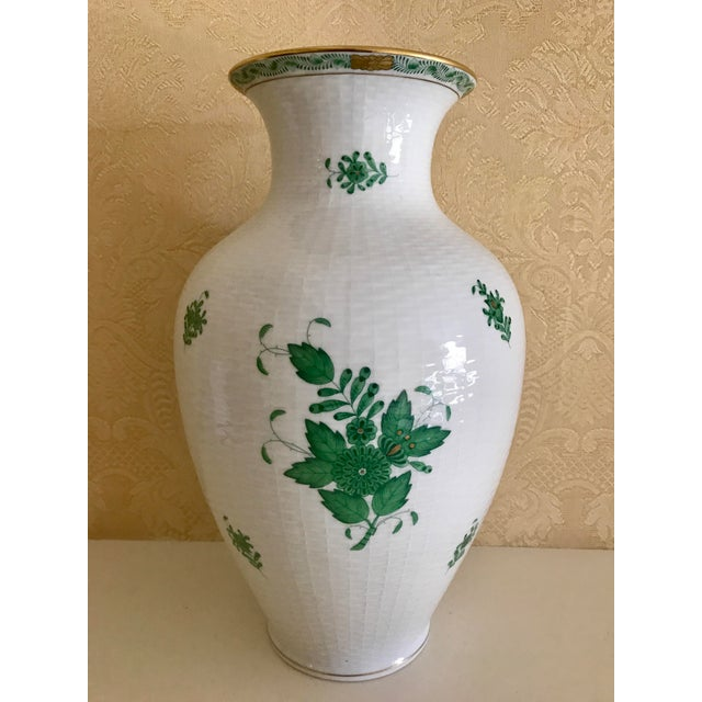 Late 20th Century Herend Porcelain Green Chinese Bouquet Vase For Sale - Image 5 of 5