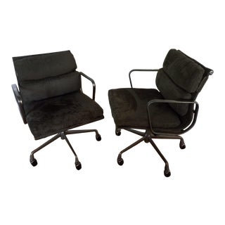 1980s Vintage Herman Miller Aluminum Group Soft Pad Chairs- a Pair For Sale