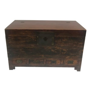 Early 20th Century Chinese Blanket Chest For Sale