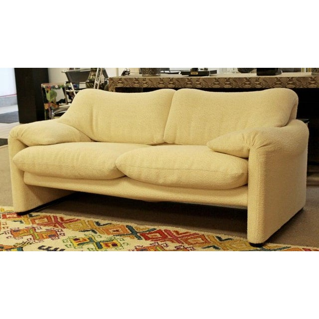 Mid-Century Modern Mid-Century Modern Atelier Int Maralunga Sculptural Loveseat by Magistretti for Cassina For Sale - Image 3 of 10