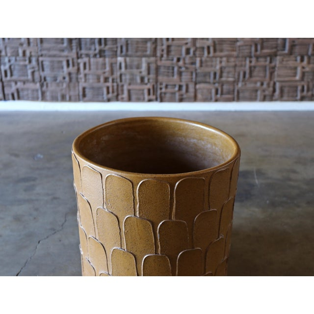 """Architectural Pottery David Cressey """"Leaf """" Pattern Planter for Architectural Pottery Circa 1965 For Sale - Image 4 of 5"""