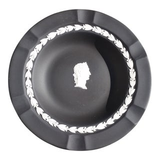 Wedgwood Black and White Basalt Intaglio Bowl For Sale