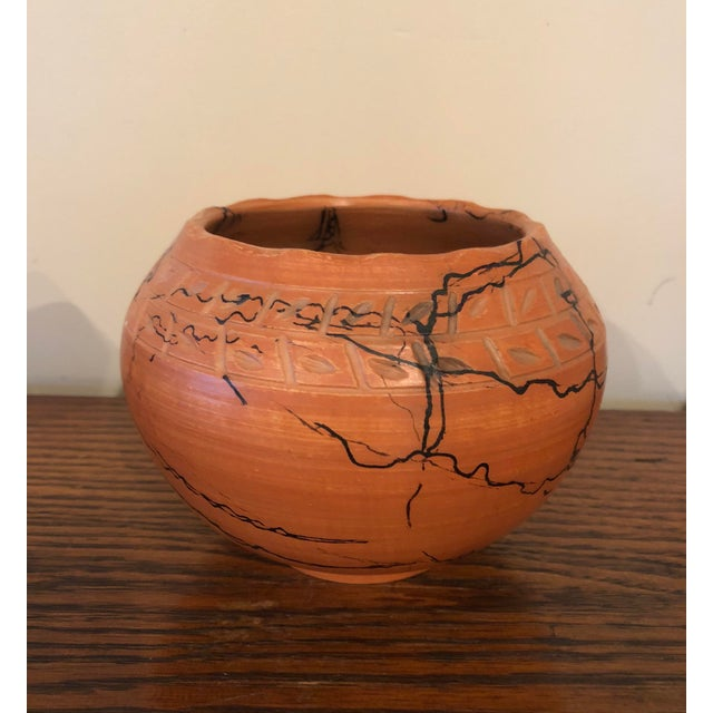 Anglo-Indian Vintage Horse Hair Pottery Cachepot For Sale - Image 3 of 6