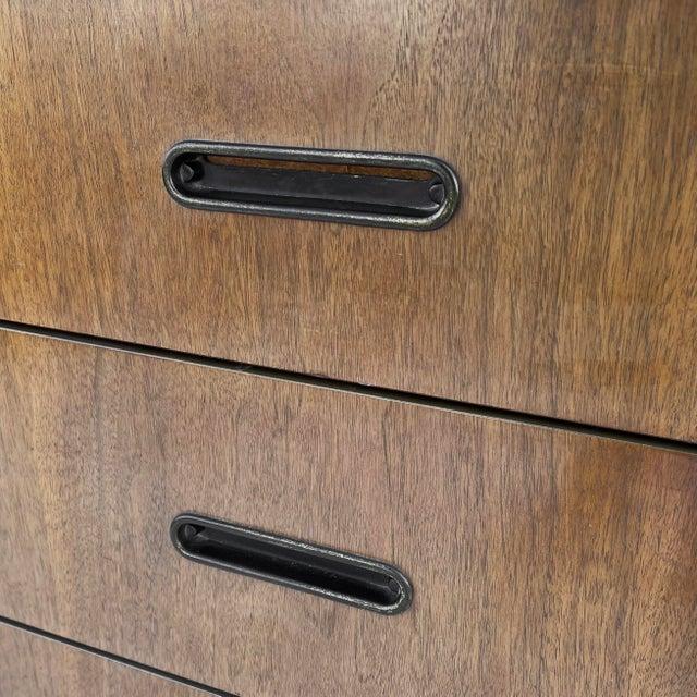 Mid-Century Modern Three Drawer Dresser For Sale In New York - Image 6 of 10