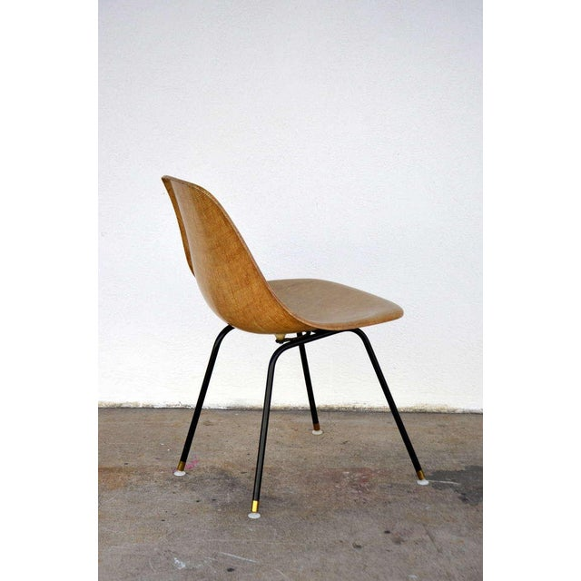 Charles and Ray Eames Single Fiberglass Encasted Fabric Mesh Chair by Eames for Herman Miller For Sale - Image 4 of 8