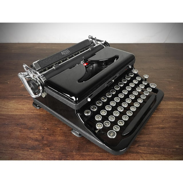1930s Refurbished 1930s Vintage Royal Glossy Black Model O (Model A) Portable Typewriter For Sale - Image 5 of 8