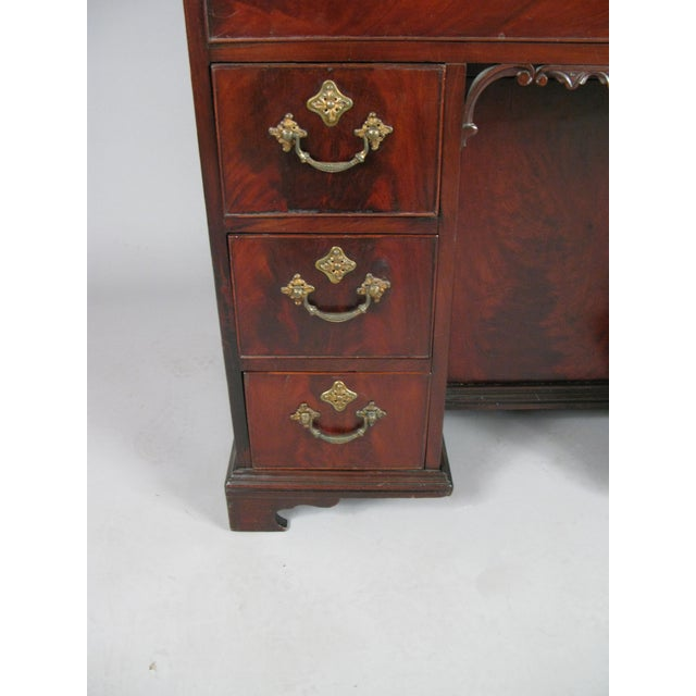 Mid 19th Century Antique 19th Century English Walnut Writing Desk For Sale - Image 5 of 7