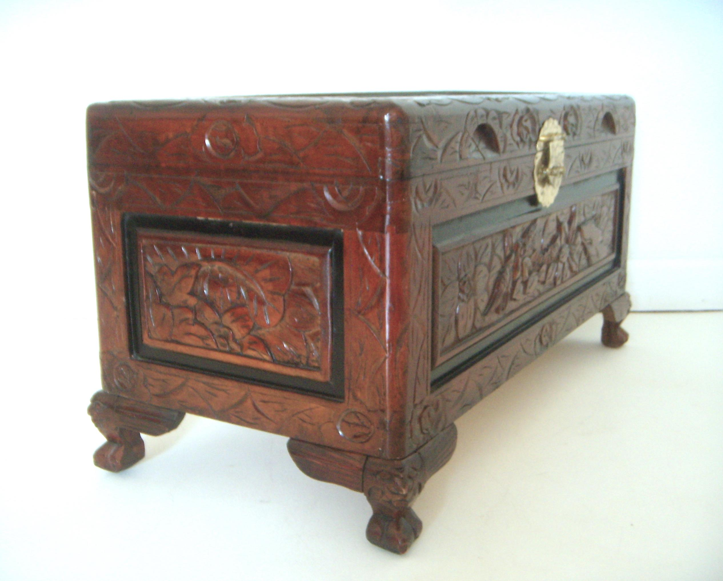 Superieur Ornate Oriental Carved Chest / Blanket Box   Image 2 Of 7