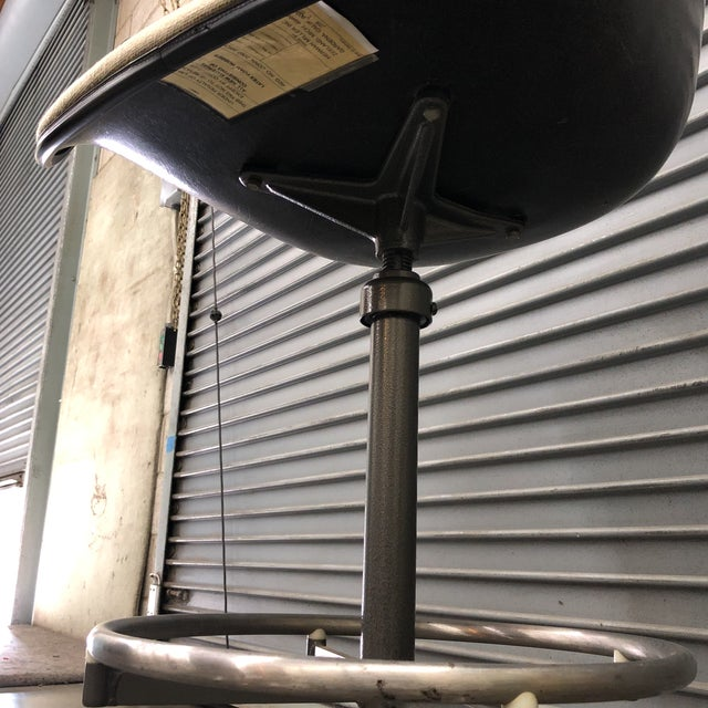 Eames for Herman Miller E C-118 Drafting Stool For Sale In Los Angeles - Image 6 of 10