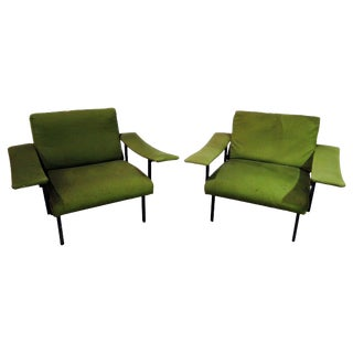 Pair of Mid-Century Modern Arm Chairs For Sale