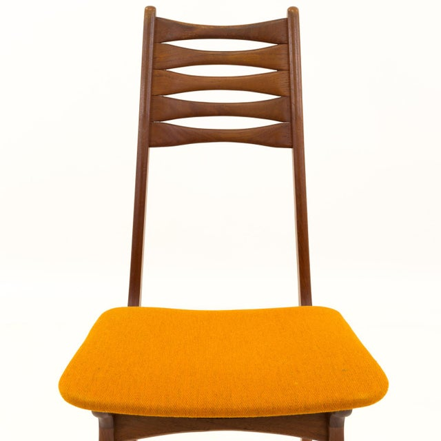 Vintage Mid Century Teak Bow Tie Ladderback Dining Chairs- Set of 6 For Sale - Image 10 of 12