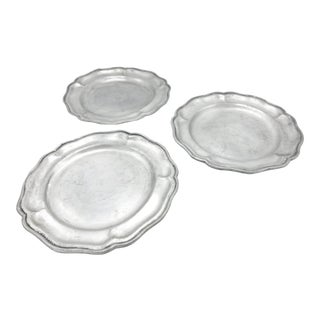 Vintage Set of 3 Large Pewter Serving Plates / Platters With Scalloped Rims, Made by Carson Casting in the Usa For Sale