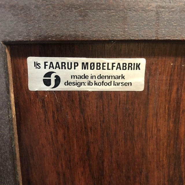 Brown 1960s Danish Modern Rosewood Ib Kofod Larsen Faarup Mobelfabrik Credenza With Hutch Top For Sale - Image 8 of 13