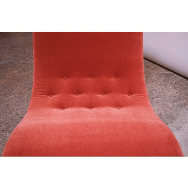 """Wood Adrian Pearsall for Craft Associates """"Wave"""" Chaise Lounge in Coral Mohair For Sale - Image 7 of 13"""