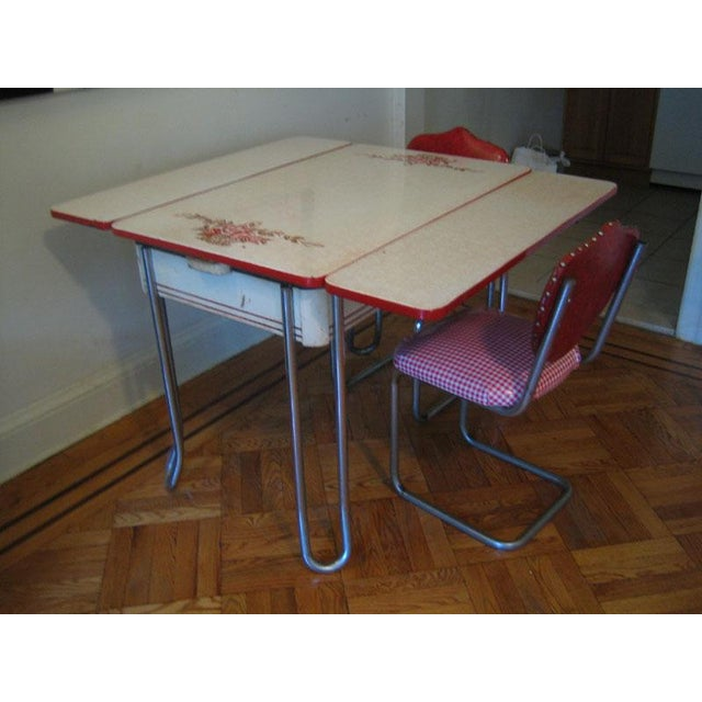 Vintage Ingram-Richardson Porceliron Kitchen Table With Chairs - Image 2 of 5