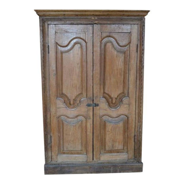 Antique Indian Tall Rustic Cabinet with Carved Doors from the 19th Century  For Sale - Incredible Antique Indian Tall Rustic Cabinet With Carved Doors From