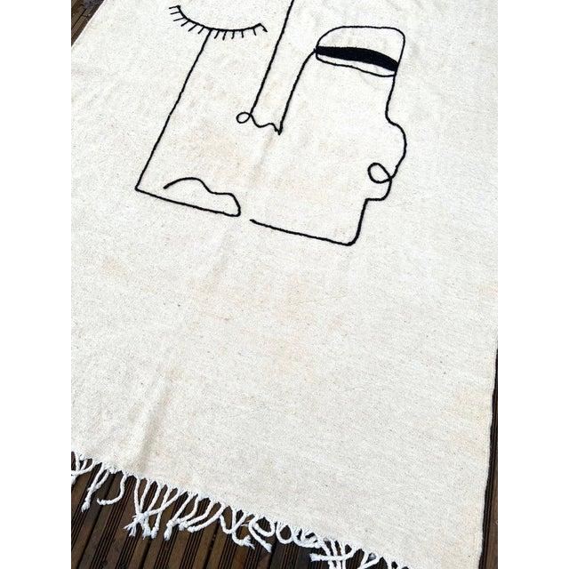Up for sale is a Modern Handmade Kilim Rug