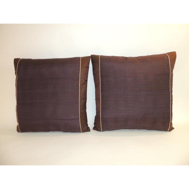 1950s Pair of Vintage Brown and Purple Woven Decorative Square Pillows For Sale - Image 5 of 5