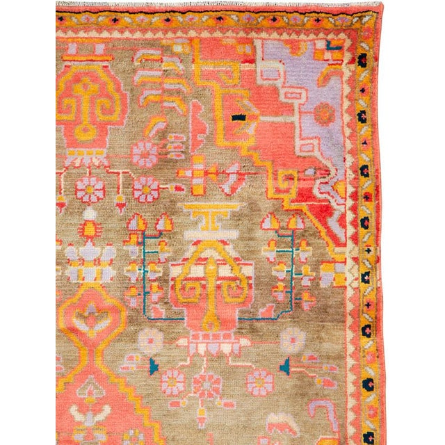"""Islamic Vintage Persian Mahal Rug – Size: 3' 11"""" X 6' 8"""" For Sale - Image 3 of 10"""