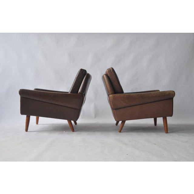 Mid-Century Modern Pair of Svend Skipper Leather Lounge Chairs For Sale - Image 3 of 8