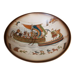 1900 French Baie Du St. Michel Pottery Norman Conquest of England Motif Bowl For Sale