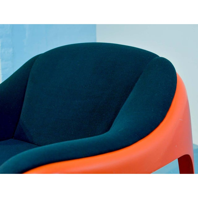 Iconic Mid -Century Design Italian Fiberglass Lounge Chair by Sergio Mazza for Artemide, 1960s For Sale - Image 9 of 11