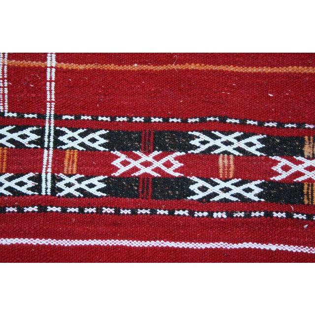 "Handwoven Moroccan Kilim Rug - 4' x 2'4"" - Image 2 of 2"