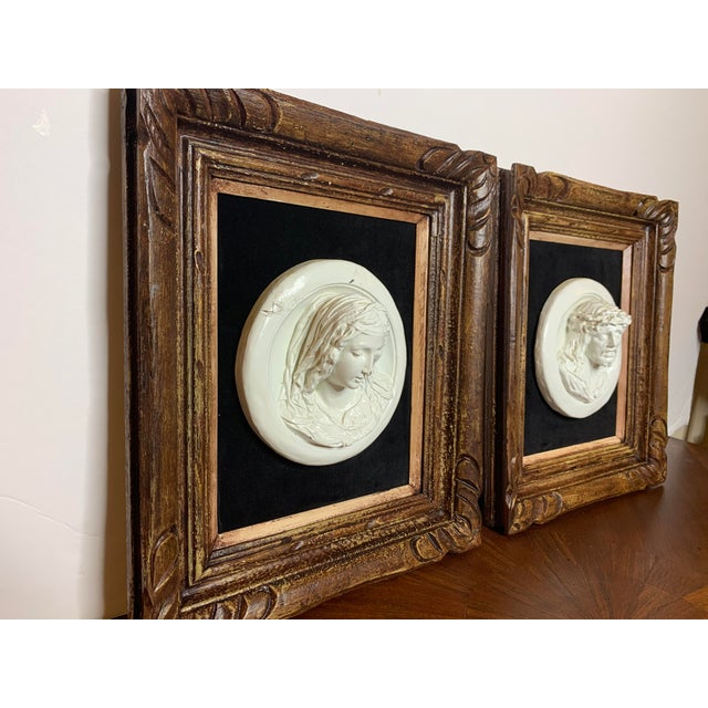 Italian 19th Century Glazed Chalkware Wall Mounting High Relief Bust Cameos - a Pair For Sale - Image 3 of 13