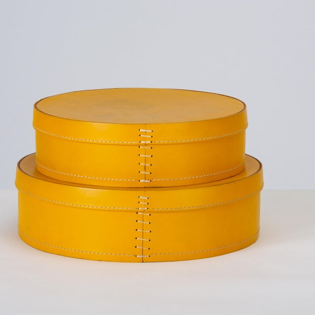 1990s Round Leather Nesting Boxes by Arte Cuoio & Triangolo - A Pair For Sale - Image 5 of 13