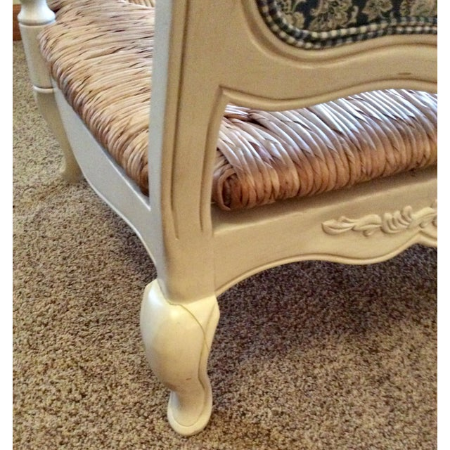 Antique Styled White Country French Provential Rush Seat Settee For Sale In Columbus - Image 6 of 13