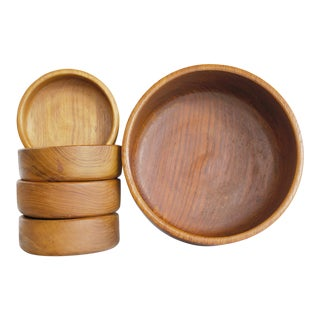 Mid Century Carved Teak Bowls - 5 Piece Set For Sale