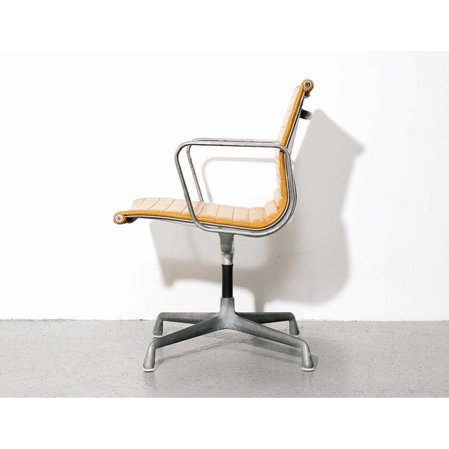 Vintage Eames Aluminum Group Chair in Orange For Sale In New York - Image 6 of 11