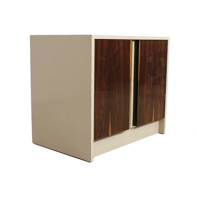 Mid-Century Modern Milo Baughman Bar / Media Cabinet With Rosewood Doors For Sale - Image 3 of 10