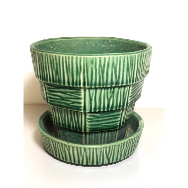 """McCoy Pottery 1940s - 1960s Small"""" Green"""" Mid-Century Flowerpot and Saucer For Sale In Los Angeles - Image 6 of 6"""