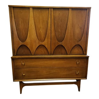 1960s Mid-Century Modern Broyhill Braslia Gentlemen's Chest For Sale