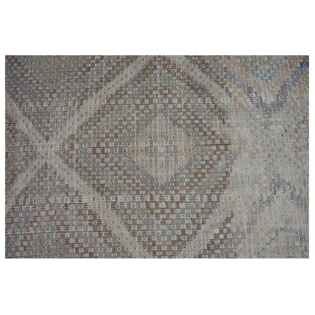 Contemporary Vintage Turkish Kilim Rug - 5.9 x 8.11 For Sale - Image 3 of 4