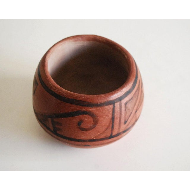 Early 20th Century San Ildefonso Black on Red Native American Pottery Vase For Sale - Image 5 of 7