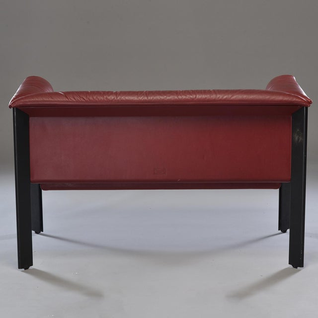 Italian 1970s Poltrona Frau Mid-Century Modern Burgundy Leather Settee For Sale - Image 3 of 13