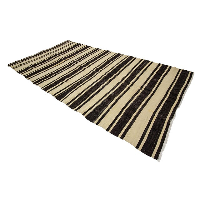 1960s Vintage Striped Natural Kilim Rug- 5′10″ × 11′3″ For Sale - Image 4 of 7