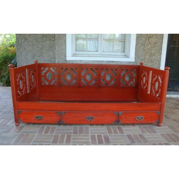 Metal 1970s Chinoiserie Fretwork Daybed Sofa Fits Twin Bed For Sale - Image 7 of 7
