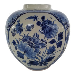 1980s Large Blue and White Hand Painted Royal Delft Ginger Jar For Sale