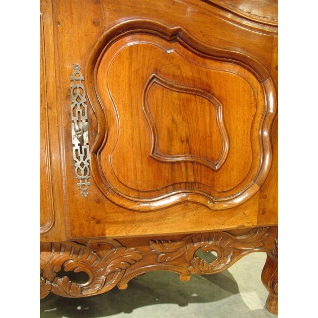 Exquisite 18th Century Walnut Wood Buffet Nimoise For Sale - Image 11 of 11