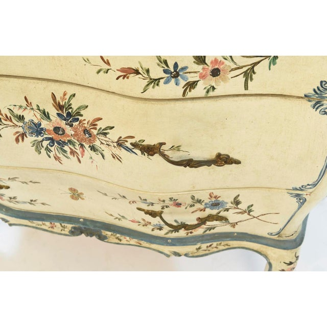 Early 20th Century 20th Century Shabby Chic Italian Floral Bombe' Chest For Sale - Image 5 of 10