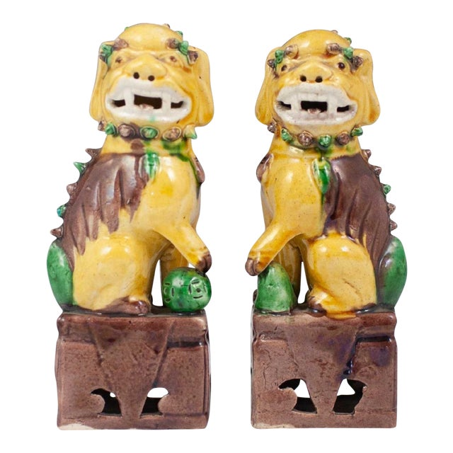 20th Century Chinese Sancai Glazed Porcelain Foo Dogs - a Pair For Sale