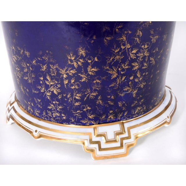 Ceramic Late 19th Century Matching English Wedgwood Wine Coolers - a Pair For Sale - Image 7 of 11